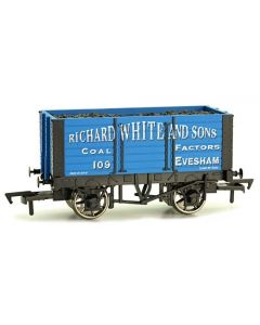 Dapol 4F-072-007 7 Plank Wagon 9' Wheelbase Richard White