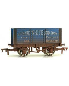Dapol 4F-072-008 7 Plank Wagon 9' Wheelbase Richard White Weathered